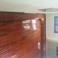 Nhà lầu 1 tầng xây dựng kiên cố, Nội thất toàn gỗ LH: 0935820773