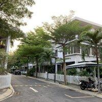 Bán nhà khu biệt thự Hà Đô-đường Sư Vạn Hạnh Quận 10 DT: 1221m Giá: 30 tỷ LH: 0902320238