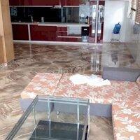 nhà riêng siêu rộng 5 phòng ngủ ở Văn Cao LH: 0963992898