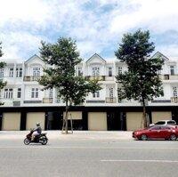 Chính chủ kẹt tiền cần bán gấp căn nhà cực đẹp chỉ cách quốc lộ 13- 50m, thổ cư 100 LH: 0388963169