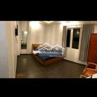 Khách sạn 1 trệt 2lầu nguyễn trãi gồm 10 phòng p9 LH: 0981022527