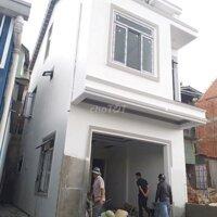 Cần tiền bán căn nhà mới sắp hoàn công đường ô tô LH: 0931793598