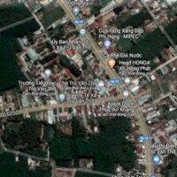 kẹt tiền bán gấp lô đất cách ql13 500m,trừ văn thố LH: 0369364970