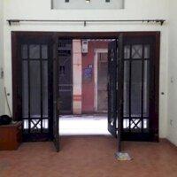Cho thuê nhà mặt ngõ Đường Trần Cung, oto đỗ cửa, dt 45sàn 5 tầng Giá 15tr tháng LH: 0936164016