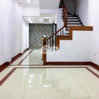 Cho thuê nhà Mễ Trì Thượng ở và làm văn phòng 5T LH: 0936764888