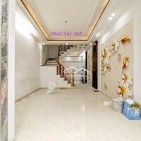 Nhà 4Tx55m2 gần Hồ Sen-Cầu Rào 2, sân cổng rộng LH: 0937708902