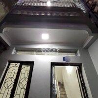 Bán nhà nhỏ 2 tầng ngõ Trần Nguyên Hãn LH: 0904056366