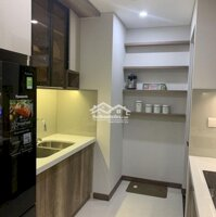 Cho thuê căn hộ Centrosa Garden LH: 0919826147