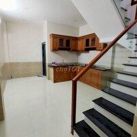 8x30 , 3L thang máy mặt tiền Hàn hải nguyên q11 LH: 0906937072