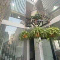 Nhà trung tâm - Nhà 3 tầng phố Trần Nguyên Hãn, 2 mặt thoáng, nở hậu, Giá hấp dẫn LH: 0906069496