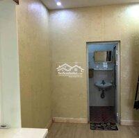 Cho thuê căn hộ mặt đường Văn Cao bao phí giá rẻ LH: 0968077194