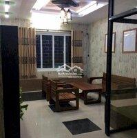 nhà riêng 4 phòng ngủ ở ngõ 200 Văn Cao LH: 0963992898