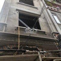 Bán nhà xây mới 3,5 tầng phố Hoàng Ngọc Phách,nông LH: 0374684444