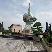 Nhà ngay ủy ban xã Long Nguyên LH: 0936456514