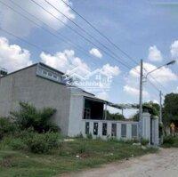 Cần tiền bán gấp miếng đất 150m2 có căn nhà cấp 4 còn mới LH: 0902341413
