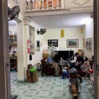 Nhà chợ hàng, sân cổng chung rộng dãi, ngay cạ LH: 0961709690