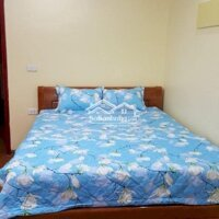 Cho thuê căn hộ đầy đủ tiện nghi Văn Cao LH: 0911021248