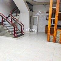 Bán nhà sân cổng riêng đường Miếu Hai Xã ô tô LH: 0947814199