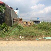Gia đình cần tiền, bán lô đất 200m2, xã Phạm Văn Hai, đường 10m, gần KCN Lê Minh Xuân 3, giá 1,5 tỷ LH: 0906690632