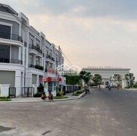 Nhà phố hiện đại một trệt hai lầu chỉ với 800 trệu LH: 0797938859