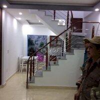 Nhà 3 tầng sân cổng, ngõ rộng Nguyễn tường loan LH: 0938014222