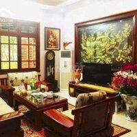 Bán nhà chính chủ Giang Văn Minh 64m, mt 5m, giá 11 tỷ, phân lô, ô tô, vỉa hè LH: 0983416997