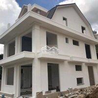 Cho thuê villa kinh doanh tự do LH: 0901803904