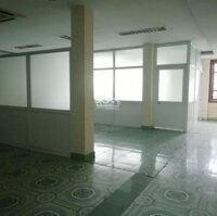 Cho thuê nhà 3 tầng 250m2, mặt tiền 9m đường Nguyễn Tri Phương, Hồng Bàng, Hải Phòng LH: 0389451819