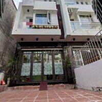 Bán căn nhà 85m2 mặt ngõ Lạch Tray có sân cổng LH: 0904070156