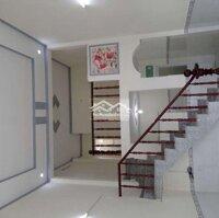 Cho thuê nhà nguyên căn DT72m sân đậu ô tô, 2p ng LH: 0985584779