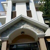 Cho thuê tòa nhà mặt tiền phường 1 , TPVũng Tàu LH: 0898787572