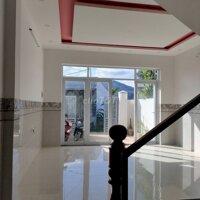 Bán nhà mới xây 2 tầng gần kho trứng Vĩnh Thạnh LH: 0705017559
