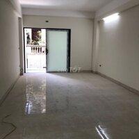 Cho thuê căn hộ 180 Yên Hoà LH: 0912233738