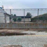 Cho thuê làm bãi xe MẶT TIỀN Lê Thị Riêng3200 m2giá 70trt LH: 0906143368
