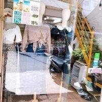 Chuyen mo hình kd nen can sang lại SHOP Quần Áo Nu mặt tiền tttp Nha Trang giá sang 190 tr LH: 0962611239