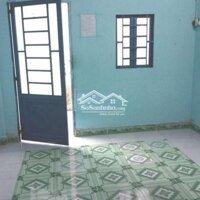 Nhà trọ có gác giá rẻ 800ktháng LH: 0909745346