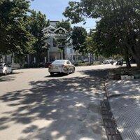 Cho thuê nhà 3 tầng mặt tiền Lê Viết Lượng, Huế LH: 0901975157