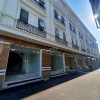 nhà 4 tâng đường trước nhà 6m Ngô Gia Tự LH: 0399474986