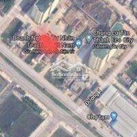 Cho thuê nhà 3 tầng lệch mặt phố kinh doanh LH: 0972043567