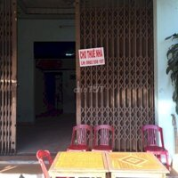 Cho thuê nhà mặt tiền cấp 4 có gác lững gần ga tam LH: 0982559197