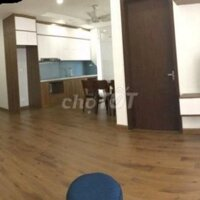 Cho thuê căn hộ toà nhà N01-T1 tầng thấp khu Ngoại LH: 0358972972