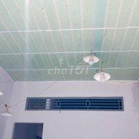 Nhà mới xây 5 phòng có bờ sông gần chợ Xuân Khánh LH: 0907333390