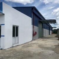 Cho thuê nhà xuởng Huyện Bến Lức 1600m² LH: 0908948968
