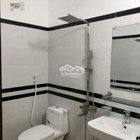 nhà 3 tầng 4 phòng ngủ hướng Nam Phường Bồ xuyên LH: 0912111939
