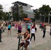 93m2, 3 mặt tiền trung tâm chợ Lương Sơn Hòa Bình LH: 0965691559