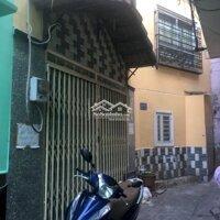 Cho thuê nhà nguyên căn ngay trung tâm quận PN LH: 0913696015