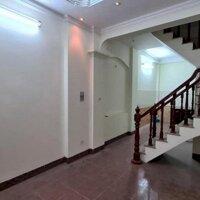 Bán nhà Nguyễn Thái Học 37m3 tầng, giá 3 tỷ 2, nhà đẹp, ở luôn, 5m ra ô tô LH 0944273988
