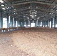 Cho thuê xưởng 1500m2 - KCN Xuyên Á LH: 0908071168