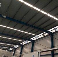 Cho thuê xưởng 2600m2 cả xưởng và văn phòng Khu công nghiệp Quế Võ 1 LH: 0968668404