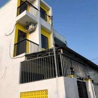 Nhà mới 3 phòng ngủ ngay chợ Bầu Ốc Hạ pTân An LH: 0772566595